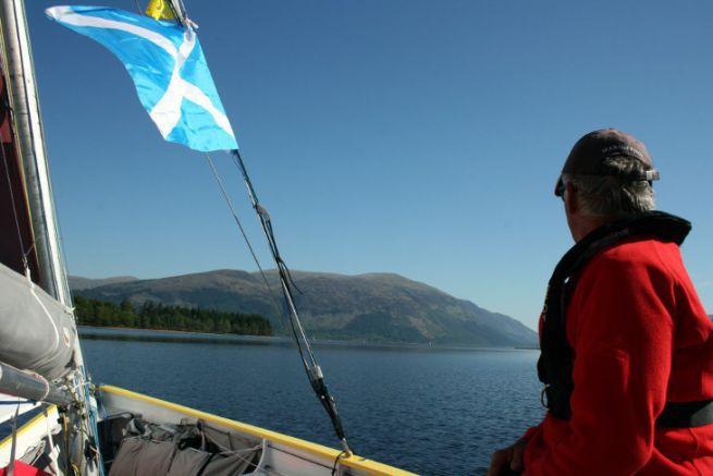 A l'assaut du Loch Lochy sur le Multimono Loustic